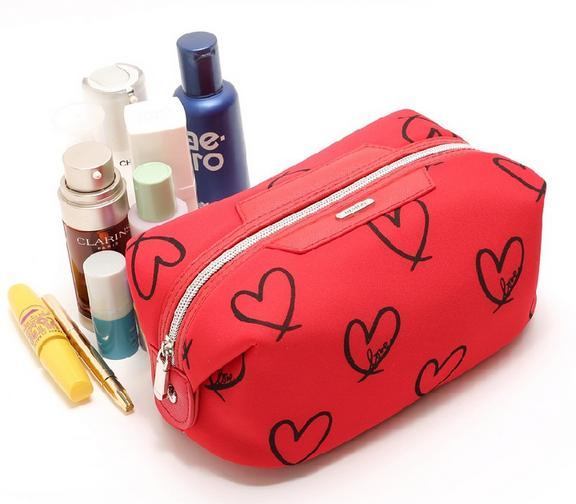 Fashion Neoprene Cosmetic Pouch with Heart shape Printing for Woman